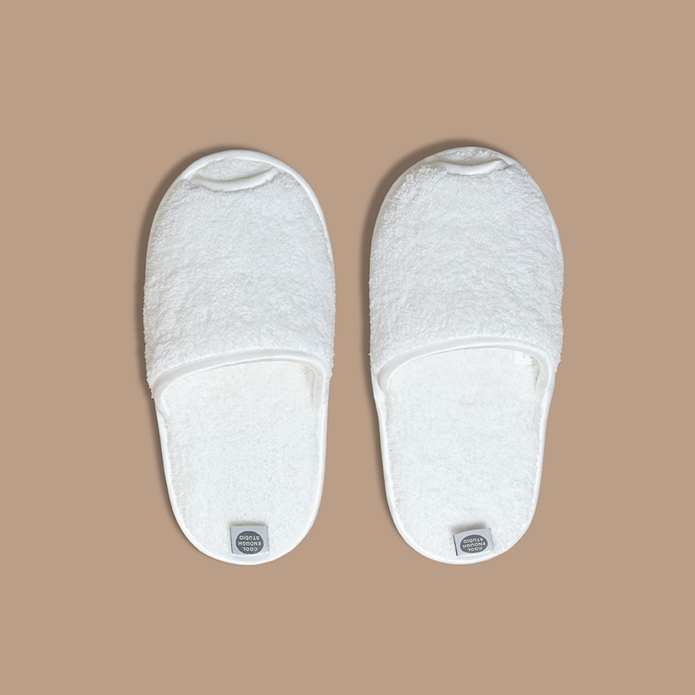 THE TOWEL SLIPPERS 2